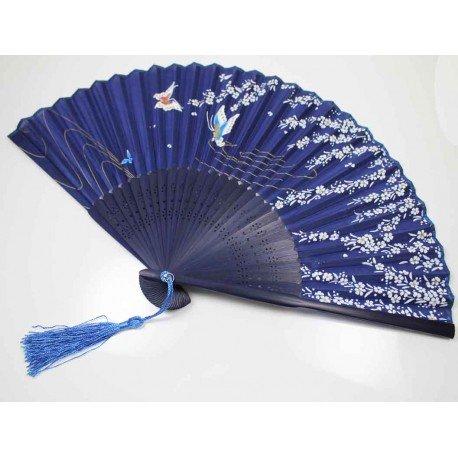 Eventail bleu fleurs et papillons