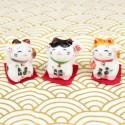 Trois minis chats maneki neko