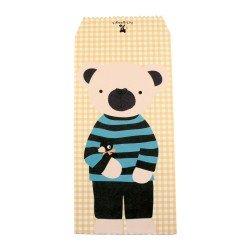 Pochette cadeau - Ourson beige en pull rayure noir et bleu sur un fond à motif carreaux jaunes claires
